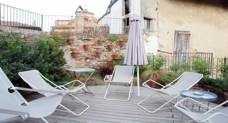 terraza decorada miuebles modernos