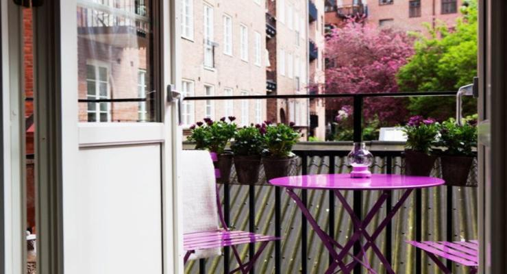 muebles terraza color violeta