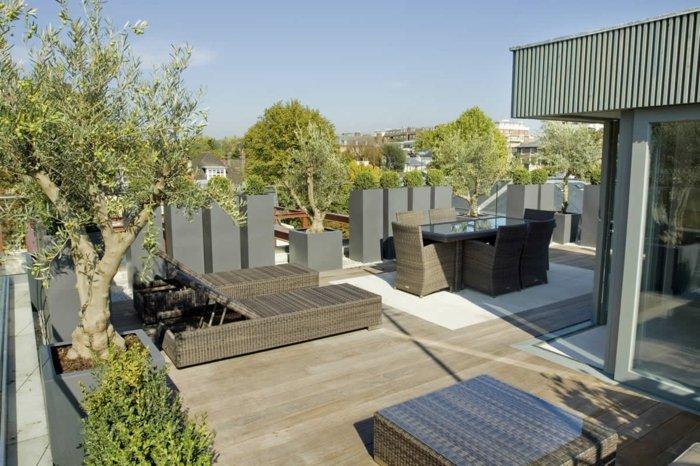 terrazas con jardin estilos rocas modernos ratan