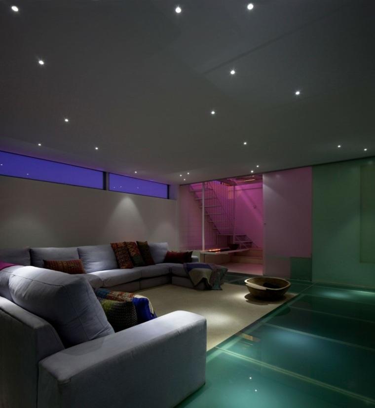 vidrio suelo salon iluminacion LED colores ideas