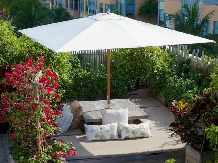 Sol y sombra 54 opciones de toldos y sombrillas - Sombrilla de jardin ...