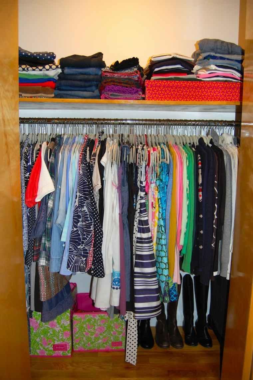armario ordenado prendas dobladas