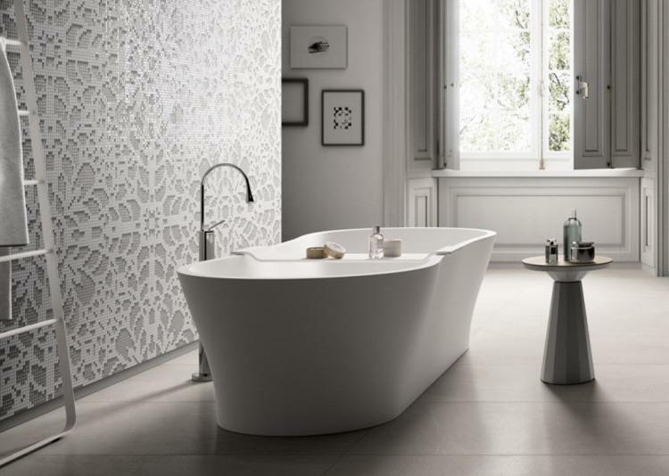 baño lujoso pared mosaico