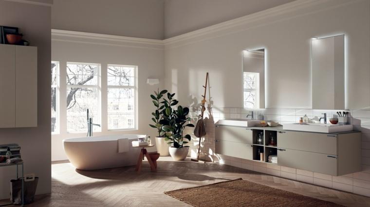 bano-amplio-paredes-blancas-plantas-banera