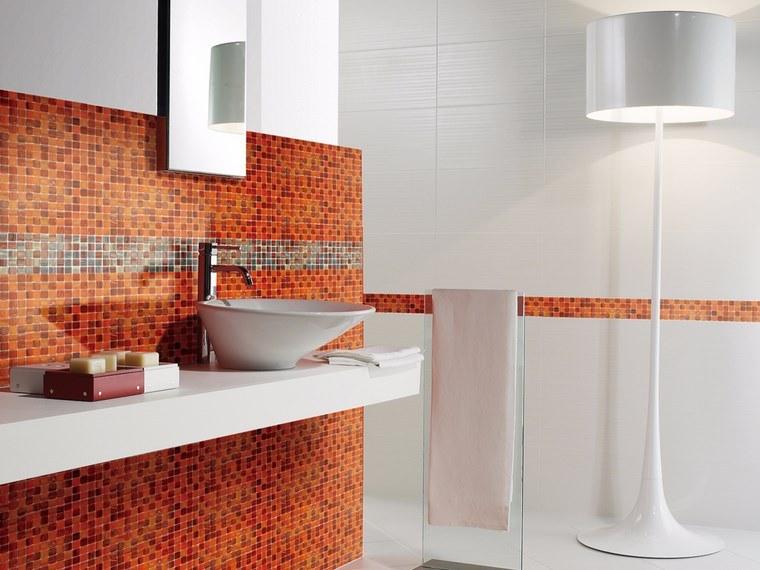 Mosaicos 115 dise os de ba os atractivos y coloridos for Banos blancos modernos