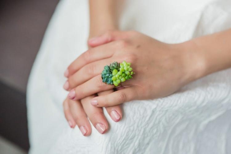 bonito diseño anillo plantas