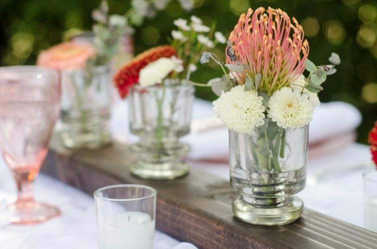 bonita decoración flores silvestres