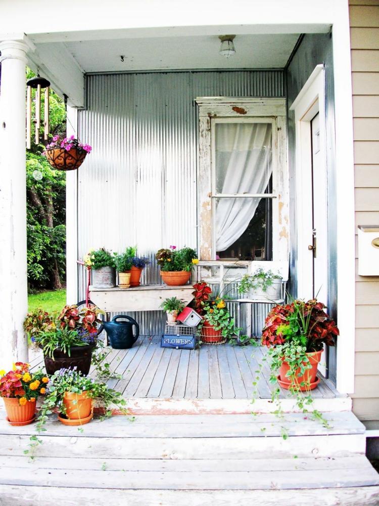 bonita decoraciín porche primavera