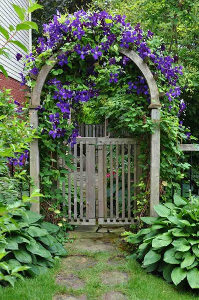 bonita puerta arco flores