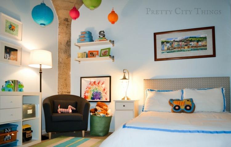 bonita habitación adornos colores diseño