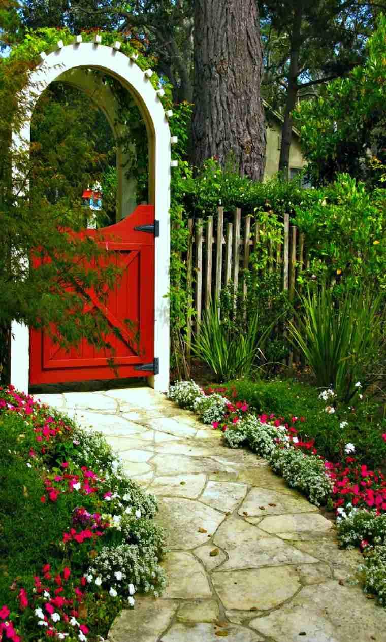 Puertas de jardin arcos verjas cancelas vallas y for Arcos de madera para puertas