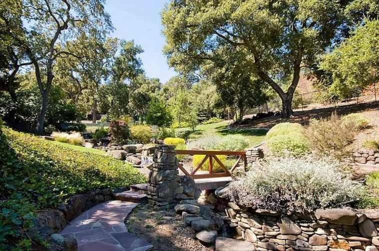 bonita decoración jardines piedras