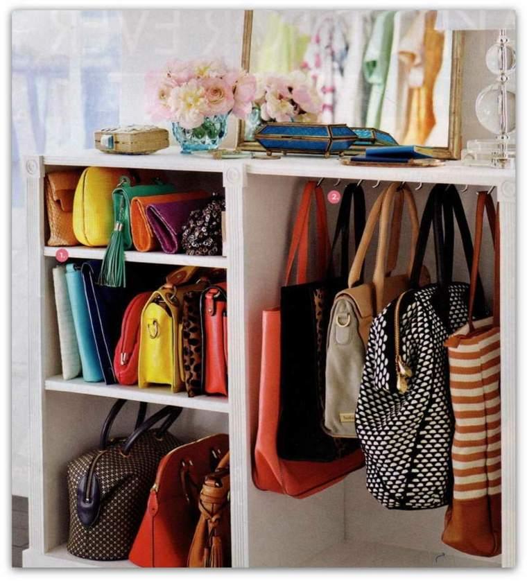 como organizar un armario bolsos