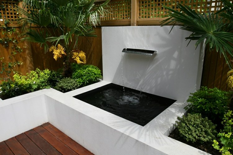bonito diseño fuente cascada terraza