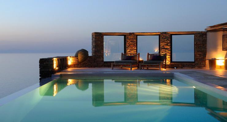 estupenda terraza lujosa piscina