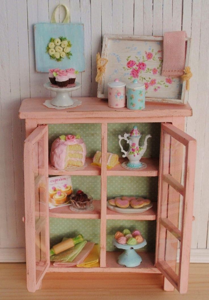 bonito mueble color rosa