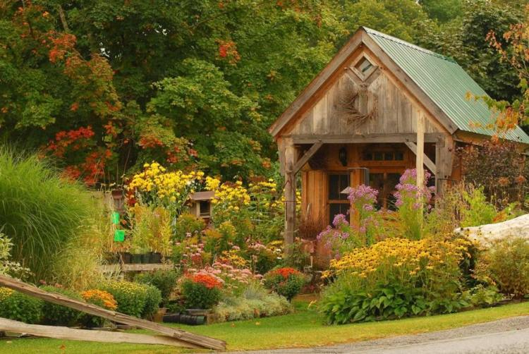 Decorar jardines rusticos ideas decorativas con piedra y for Jardines de casas de campo