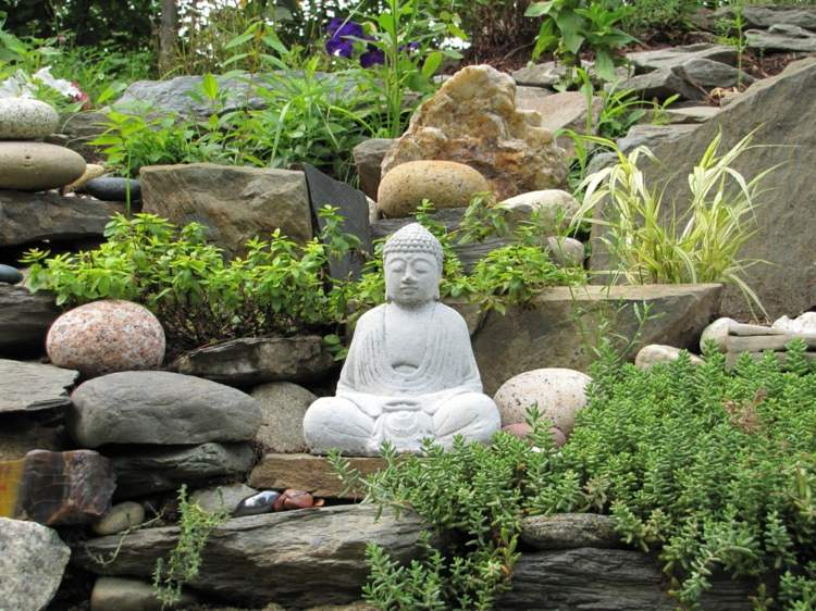 bonito diseño jardin buda