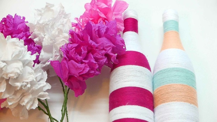 botellas vidrio flores cuerdas