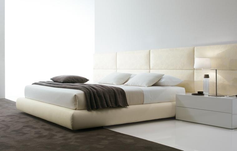cama color beige cabecero grande