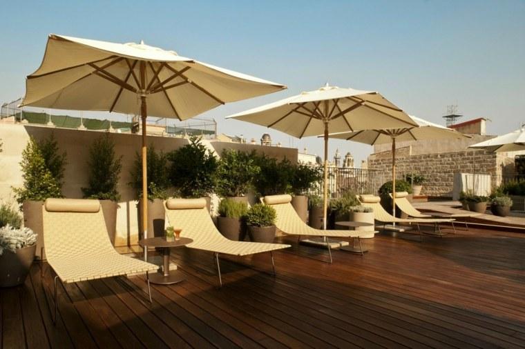 casa diseno terrazas amplios opciones tumbonas sombrillas verano ideas