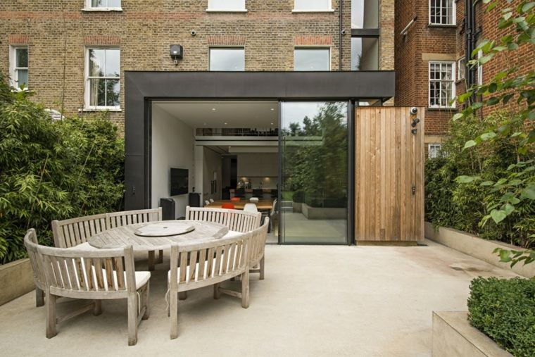 casa diseno terrazas mesa redonda bancos madera ideas