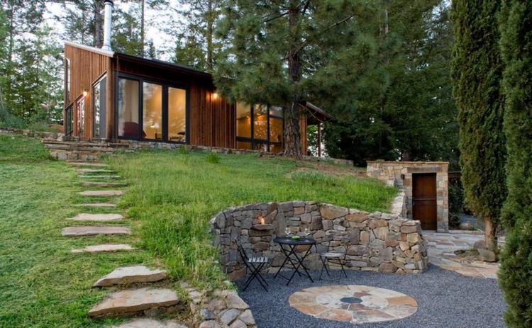 casa moderna jardin aterrazado piedra