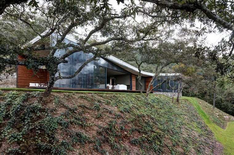 casas con encanto jardin amplio ventanales ideas