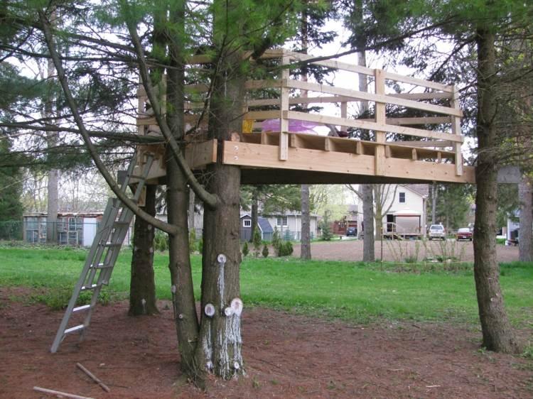 casita árbol terraza madera