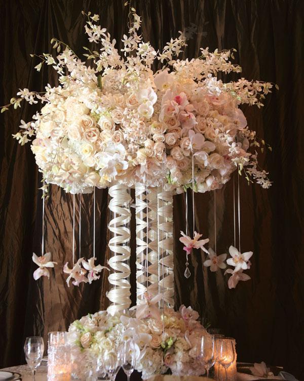 centros de mesa para bodas alto blanco flores ideas