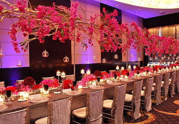 centros de mesa para bodas flotan encima mesa ideas