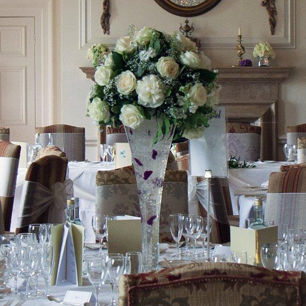 centros mesa bodas jarron alto ideas