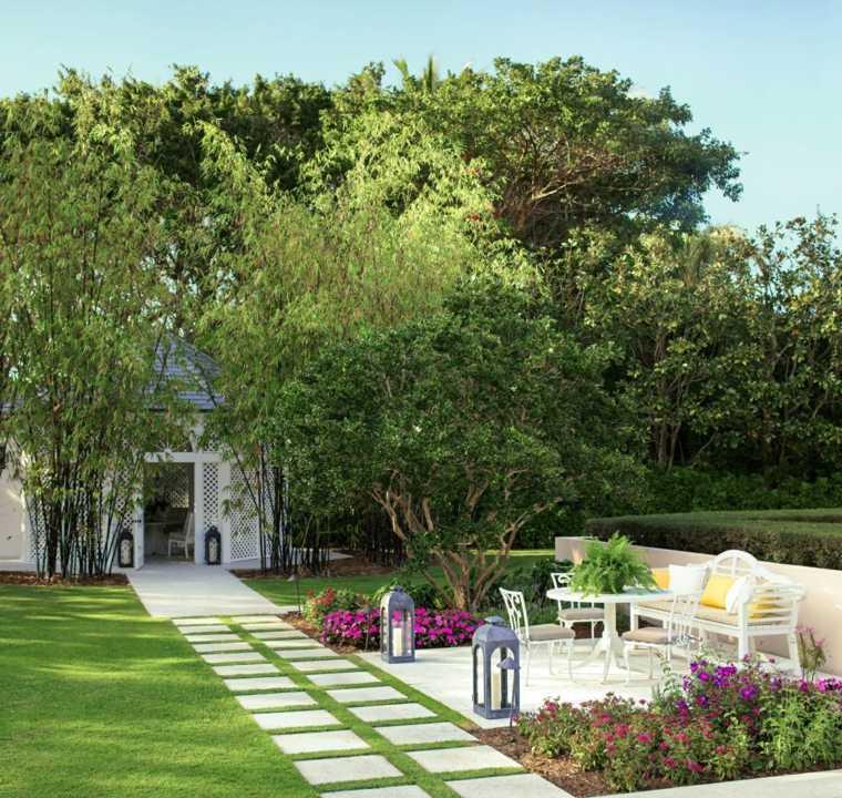 Dise o de jardines 50 ideas frescas y modernas - Farolas para jardin ...