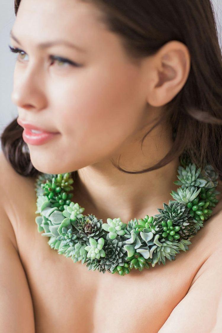 bonito collar plantas suculentas naturales
