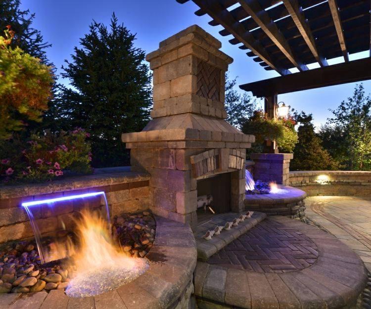 combinacion agua fuego jardin chimenea ideas