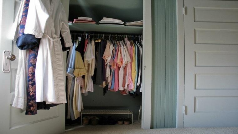 como organizar un armario bien ropa