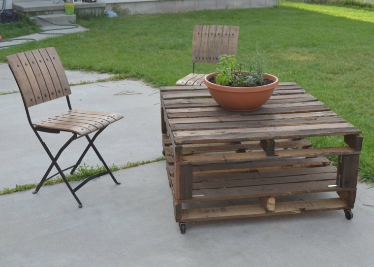 conjunto muebles madera terraza
