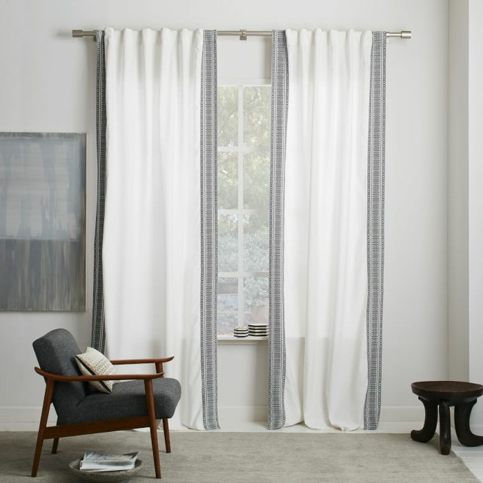 cortinas blancas rayas negras sillon ideas