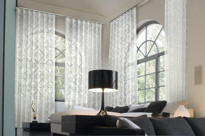 cortinas blancas salon motivos modernos
