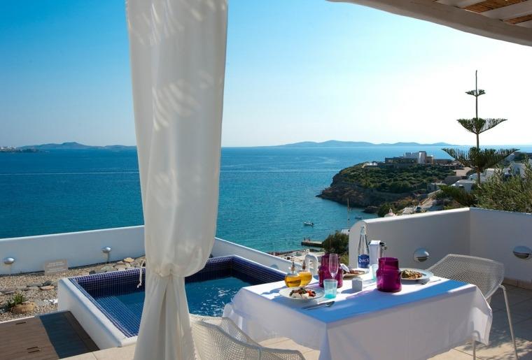 costa mediterranea terraza grecia mesa comidas jacuzzi ideas