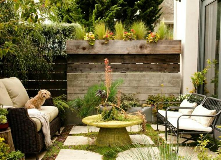 Dise o de patios y jardines peque os 75 ideas interesantes for Adornos para patios de casas