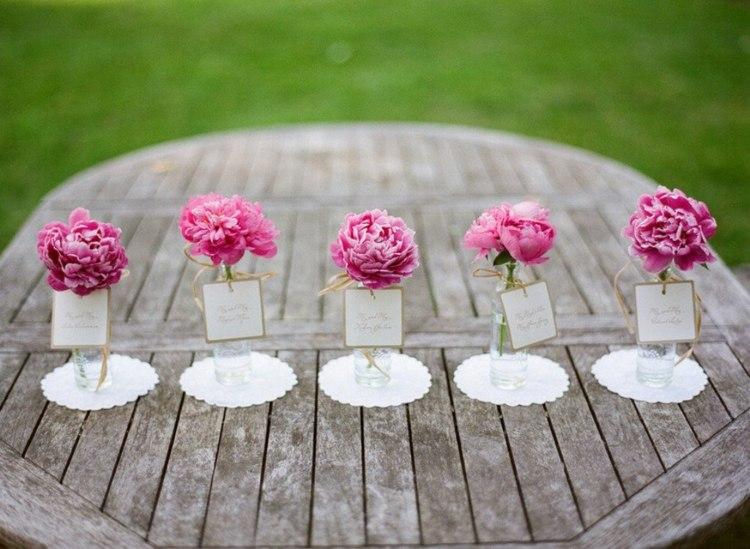 decoración mesa jardin flores