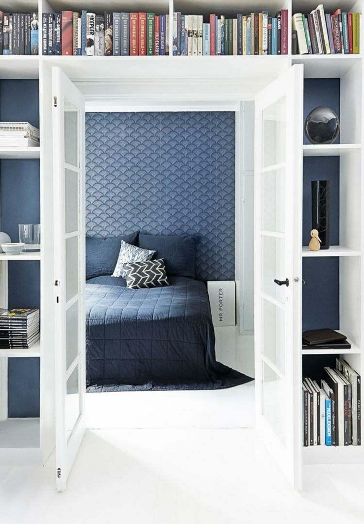 decoración pared azul marino