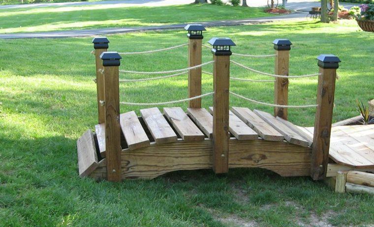 decorar puentes madera jardin