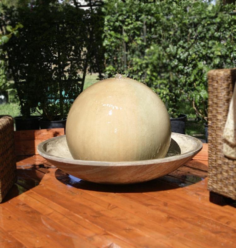 decoracion jardin diseno asiatico fuente bola ideas