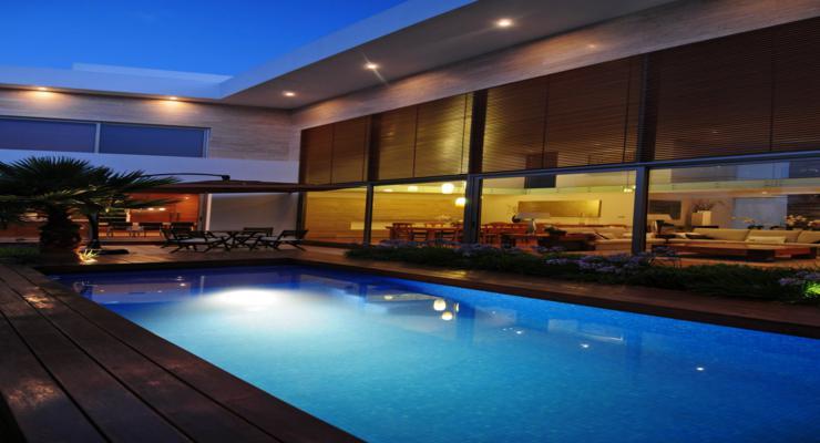 jardín terraza moderna piscina