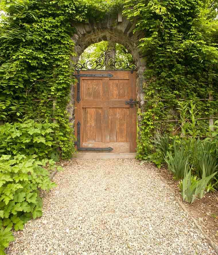 diseño jardin secreto puerta
