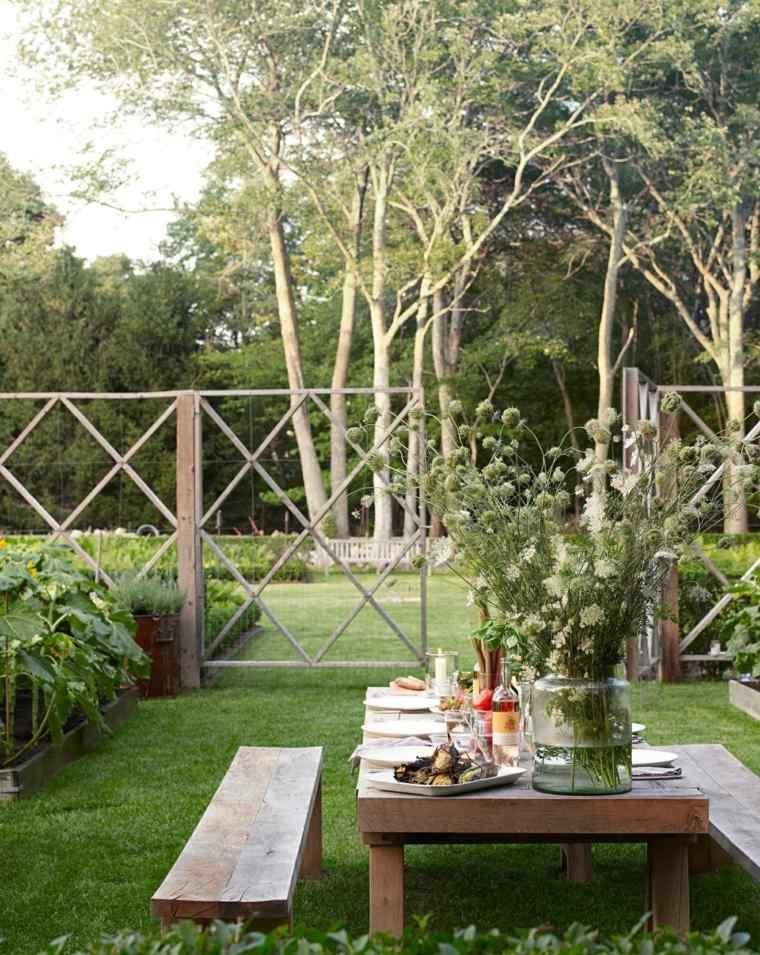 diseo de jardines rustico mesa madera cesped ideas