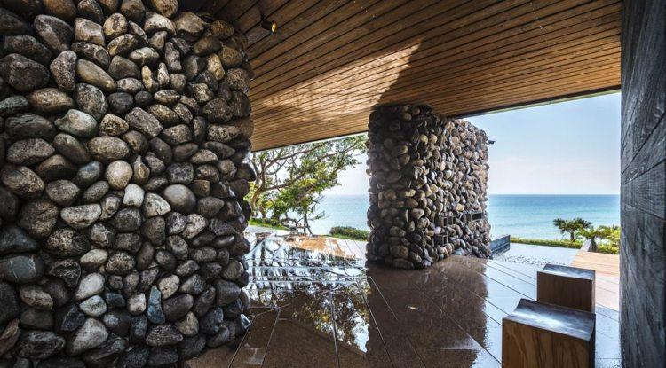 Piedras naturales en dise os de arquitectura moderna for Muro de separacion terraza