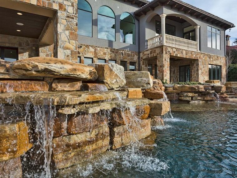 el agua jardin moderno piedras grandes natural ideas